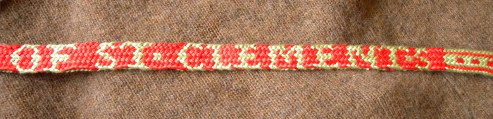 fingerloop braiding, 17th Century, letter braid, alphabet braid, solo braider, multiple braiders