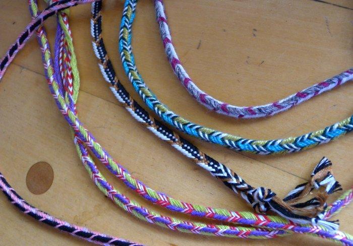 fingerloop braiding, loop braids, sample braids, tutorials
