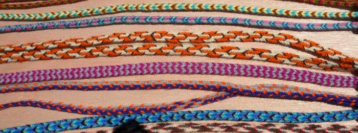finger loop braiding, 7 and 8-loop wool braids, instructions, tutorials