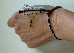 fingerloop braiding, finger loop, friendship bracelets, embroidery floss
