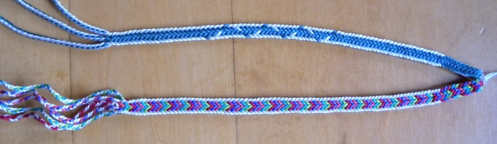 fingerloop braiding, 10 loops, medieval pattern