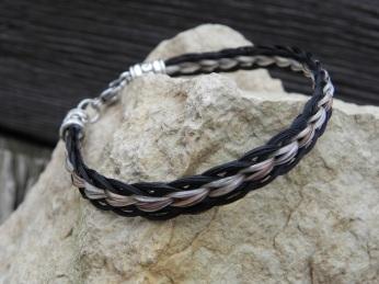 Traci Schachette, bracelet, loop braiding (horsehair)