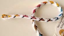 D-shaped 7-loop braid, asymmetrical color-pattern