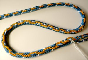 7-loop D-shaped braid pattern-sampler, 3 patterns