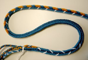7-loop D-shaped braid, reverse (flat) side