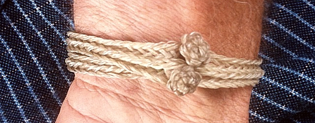 10-loop fingerloop braid bracelet by Dominic Taylor, waxed leatherworking thread