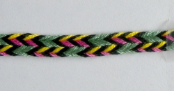 7-loop triangle braid