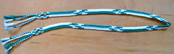 Flat 7-loop combination pattern of All-Dark-Up and Dark-Light Alternations, loopbraider.com