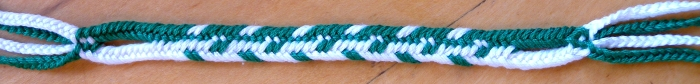 Flat (linked) bicolor 7-loop braid pattern All-But-2-Dark-Up, loopbraider.com