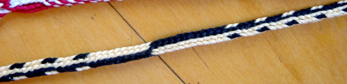 Doug's braid pickup pattern sample braid - '2-row Dots and Lengthwise stripes'