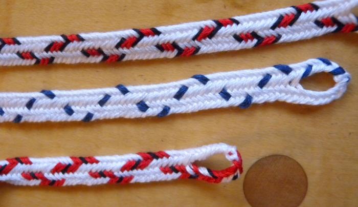 Narrower zig-zag patterns in flat 7-loop fingerloop braids, loopbraider.com