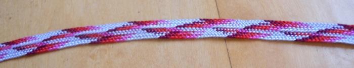 Zig-zag pattern in 10-loop Letterbraid, fingerloop braid by Ingrid Crickmore, loopbraider.com